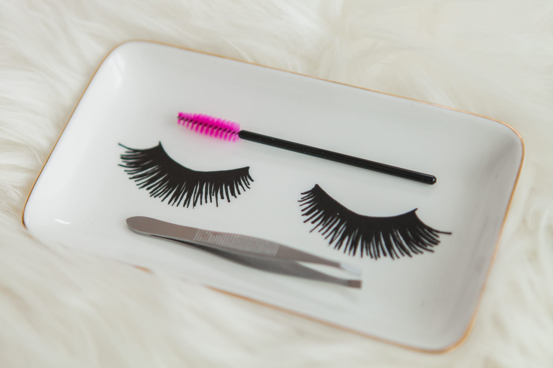 five reasons to wear false lashes for your wedding